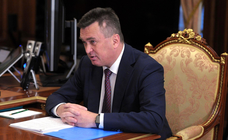 Губернатор Свердловской области преждевременно подал вотставку