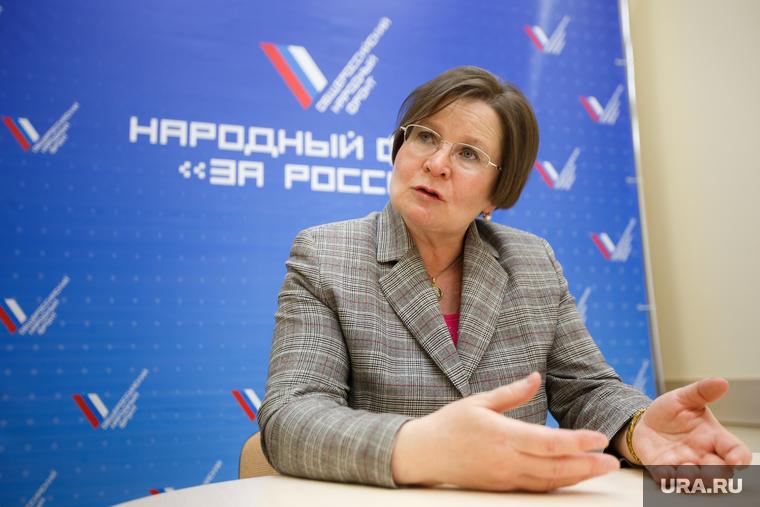 http://s.ura.ru/760/images/news/upload/news/205/611/1052205611/120873_Intervyyu_s_Larisoy_Fechinoy_Ekaterinburg_fechina_larisa_5195.3463.0.0.jpg