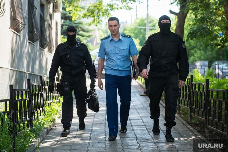 Перед судебным заседанием по Лошагину. Екатеринбург, охрана, конвой, оздоев микаэль