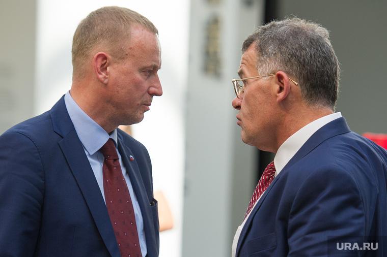 Екатеринбург проиграл «фееричную дуэль» заполномочия
