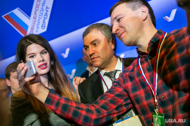 Путин попросил лидеров парламентских партий поддержать кандидатуру Володина напост спикера Госдумы