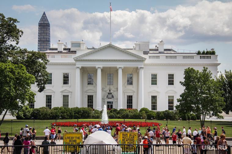 Перед третьими дебатами Клинтон опережает Трампа нашесть пунктов— Опрос