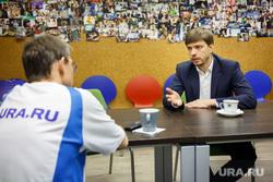 http://s.ura.ru/images/news/upload/articles/269/956/1036269956/261053_Intervyyu_s_Dmitriem_Popovim_glavoy_Korporatsii_razvitiya_Srednego_Urala_Ekaterinburg_popov_dmitriy_250x0_5226.3484.0.0.jpg