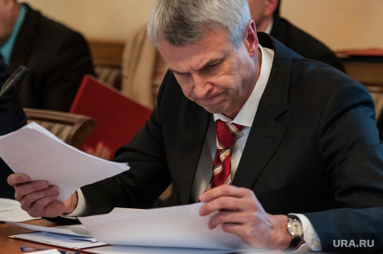 Евгений Куйвашев в Нижнем Тагиле смотрит