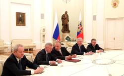 12 ежегодная итоговая пресс-конференция Путина В.В. Москва, яма, плакат, кто к путину едет