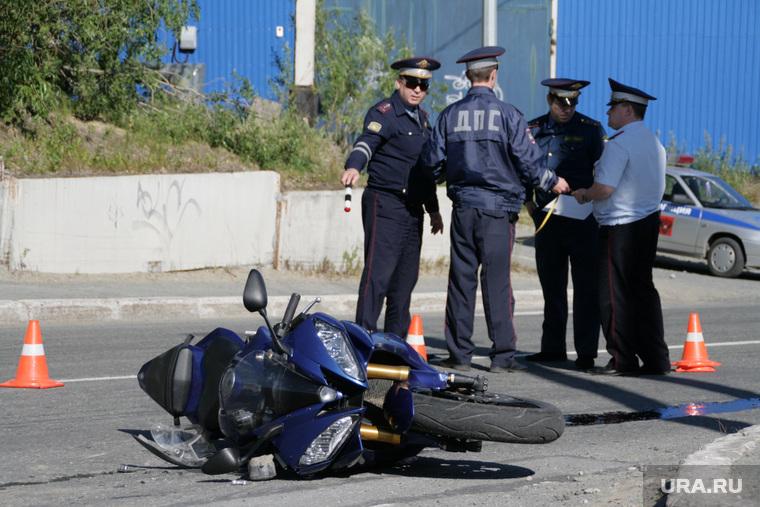 Фоторепортаж - авария с мотоциклом. Салехард, мотоцикл, дтп, авария