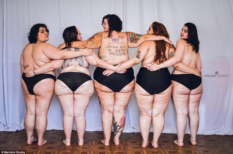 Фото девушек 18 топлесс 5 фотография