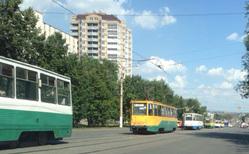 В Магнитогорске из-за эвакуатора встали трамваи. ФОТО