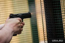 В Екатеринбурге рослый рыжебородый мужчина обстрелял атаковавшую его стаю бешеных ср.азиатов