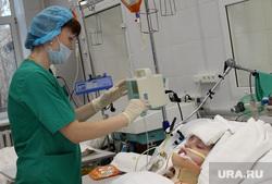 Выездная комиссия гордумы во 2 городскую больницу Курган, реанимация, пострадавший, больница, медицинский работник, интенсивная терапия