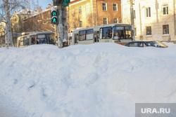 Снег в городе.Курган., светофор, сугробы, пазики, снег в городе
