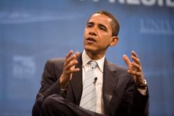 «Когда наконец заблокировал номер Америки». Фото отпускника Барака Обамы взорвали соцсети