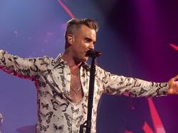 Робби Вильямс хотел бы выступить на Евровидении от России