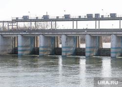 Фоторепортаж с мест подтопления во время паводка.Курган., плотина, паводок2017, река тобол